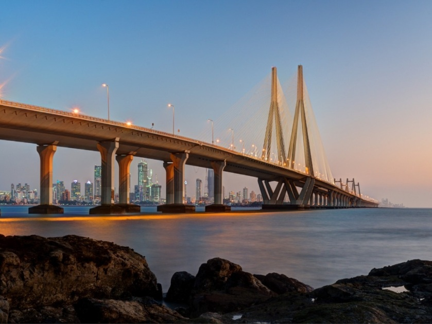bandra-worli-sea-link-mumbai-picture-id915681526